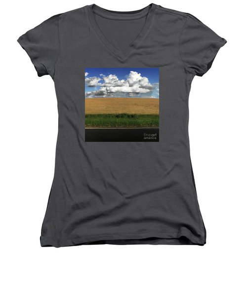 Country Field Women's V-Neck T-Shirt