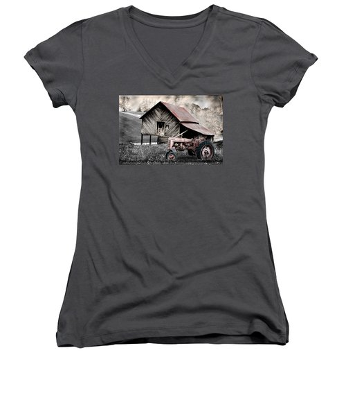 Country Women's V-Neck (Athletic Fit)