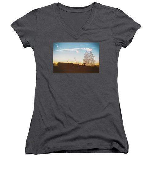 Countryside Boeing Women's V-Neck T-Shirt