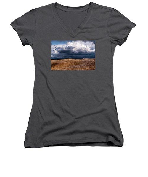 Crete Senesi Women's V-Neck T-Shirt