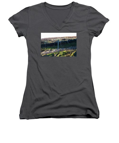 Curbar Edge Which Way To Go Women's V-Neck (Athletic Fit)