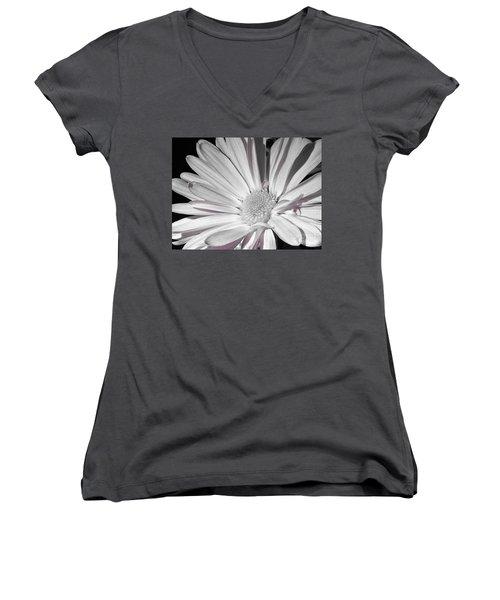 Daisy Flower Women's V-Neck T-Shirt