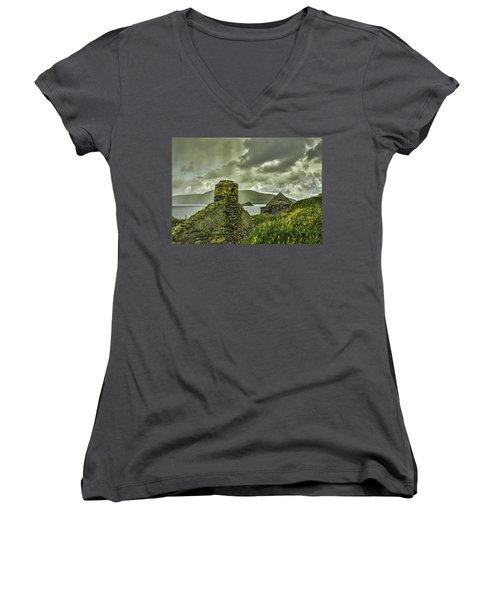 Dark Sky #g0 Women's V-Neck T-Shirt (Junior Cut)
