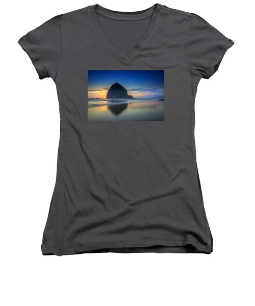 Day's End In Cannon Beach Women's V-Neck