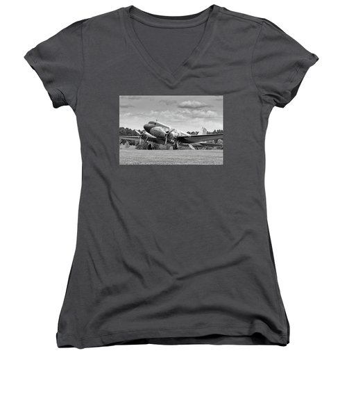Dc-3 On Grass Women's V-Neck (Athletic Fit)