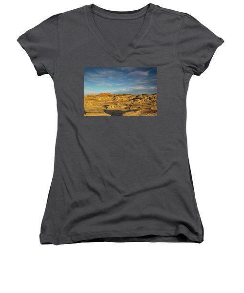 De Na Zin Wilderness Sunset Women's V-Neck (Athletic Fit)
