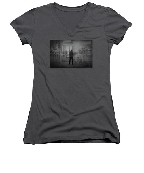 Detroit Urbex  Women's V-Neck T-Shirt