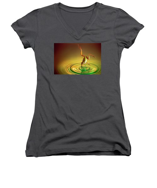Diving Women's V-Neck T-Shirt (Junior Cut) by William Lee