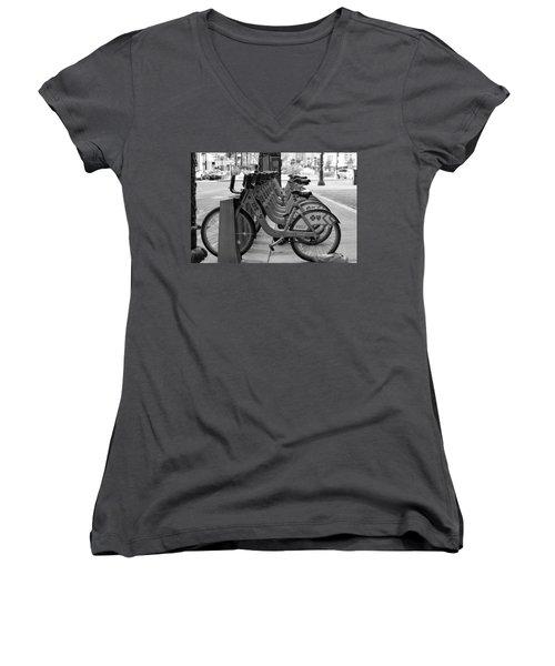 Divvy Bikes Women's V-Neck