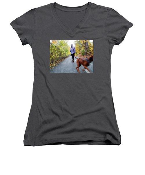 Dogwalking Women's V-Neck