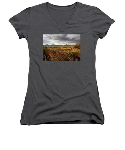 Dos Cabezas Grasslands Women's V-Neck