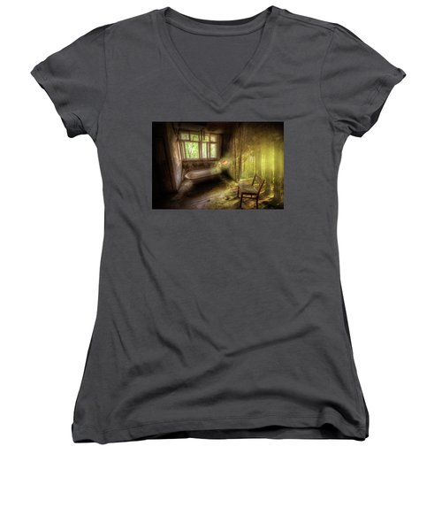 Dream Bathtime Women's V-Neck T-Shirt (Junior Cut) by Nathan Wright