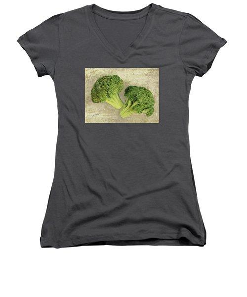 Due Broccoletti Women's V-Neck T-Shirt