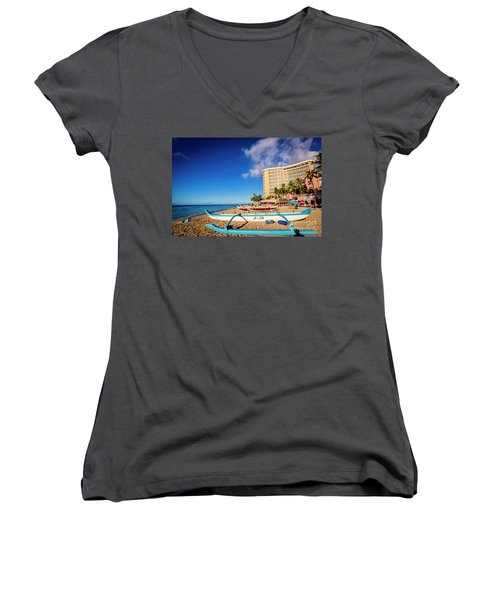 Early Morning At Outrigger Beach,hawaii Women's V-Neck