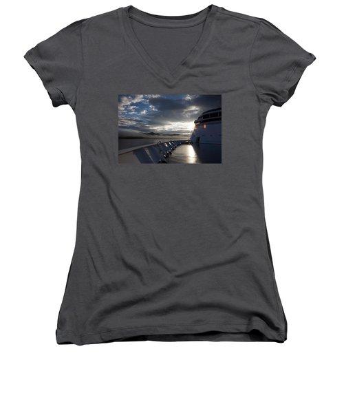 Early Morning Travel To Alaska Women's V-Neck T-Shirt