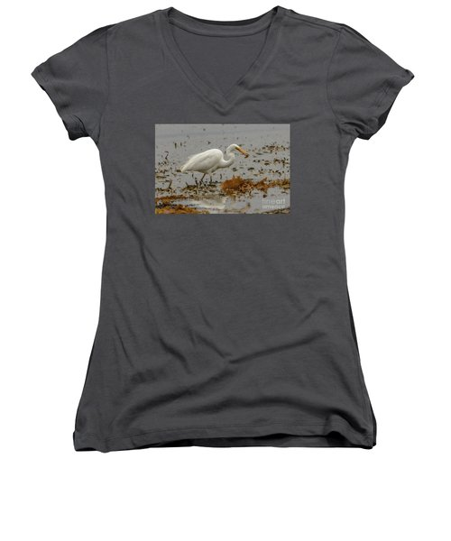 Eastern Great Egret 10 Women's V-Neck (Athletic Fit)