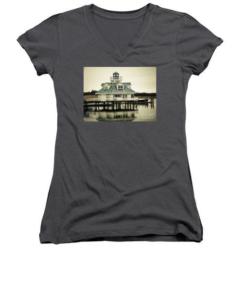 Eating On The River Women's V-Neck T-Shirt