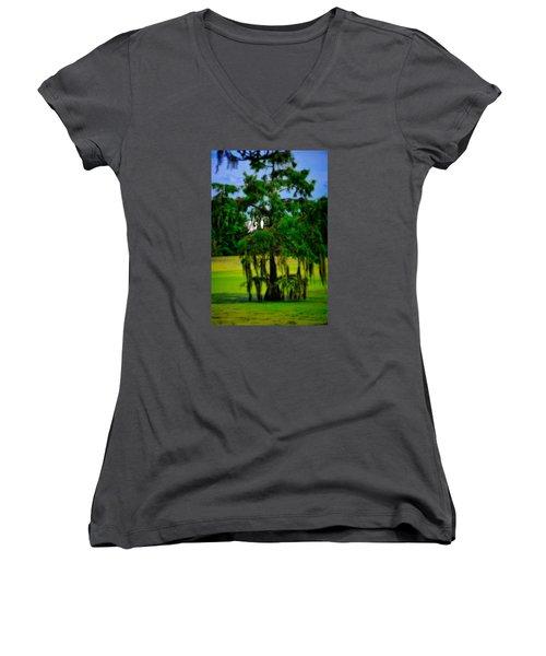 Egret Tree Women's V-Neck