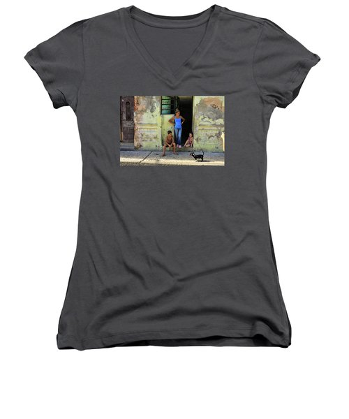 El Familia Women's V-Neck
