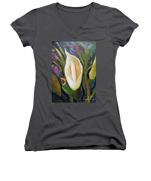Elephant Ear Bloom Women's V-Neck T-Shirt (Junior Cut)