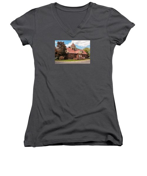 Emily Williston Memorial Library And Museum Women's V-Neck