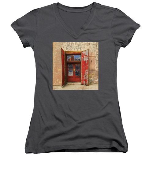 Entry Into The Past Women's V-Neck T-Shirt