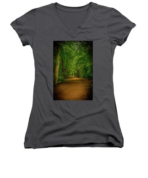 Epping Forest Walk Women's V-Neck T-Shirt (Junior Cut)