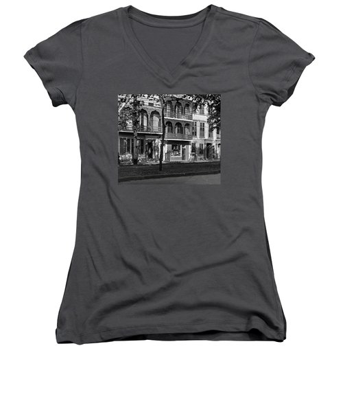 Esplanade Ave Women's V-Neck T-Shirt