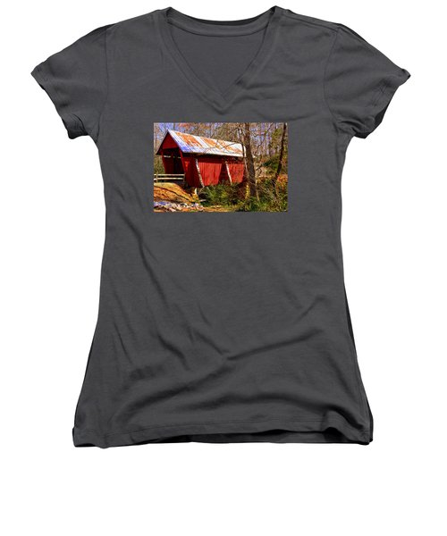 Est. 1909 Campbell's Covered Bridge Women's V-Neck T-Shirt