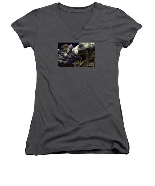 Eye To The Sky Women's V-Neck T-Shirt
