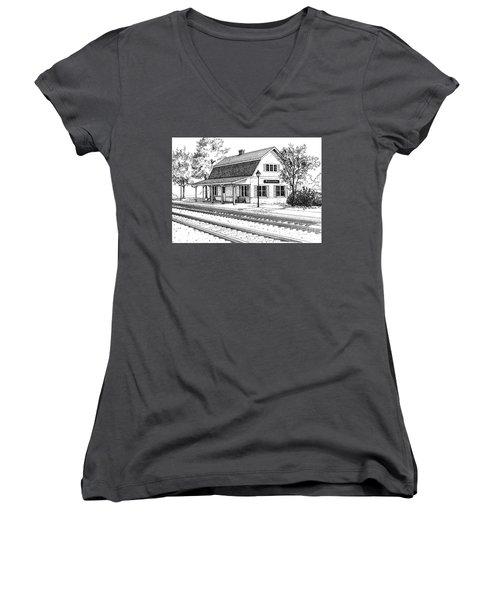 Fairview Ave Train Station Women's V-Neck