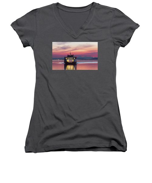 Ferry Issaquah Docking At Dawn Women's V-Neck