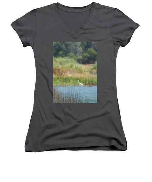 Finnon Lake Egret Women's V-Neck