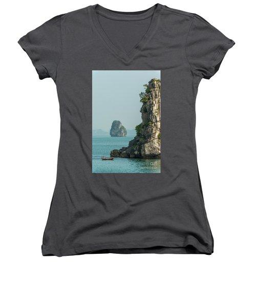 Fishing Boat 2 Women's V-Neck T-Shirt (Junior Cut)