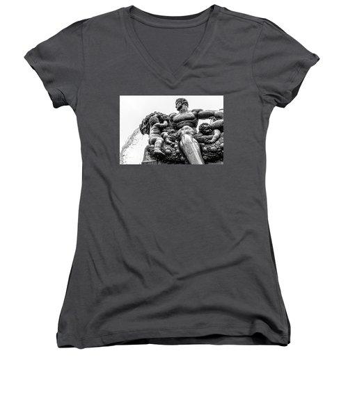 Fontana Di Piazza Solferino-1 Women's V-Neck T-Shirt (Junior Cut)