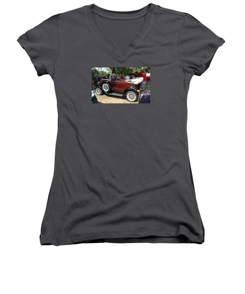 Ford 1932 Pheaton Women's V-Neck T-Shirt