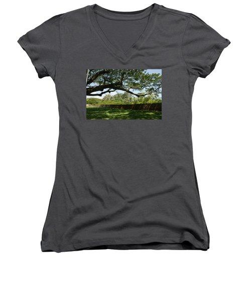 Fort Galle Women's V-Neck