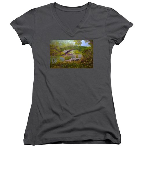 Gapstow Bridge Central Park Women's V-Neck T-Shirt