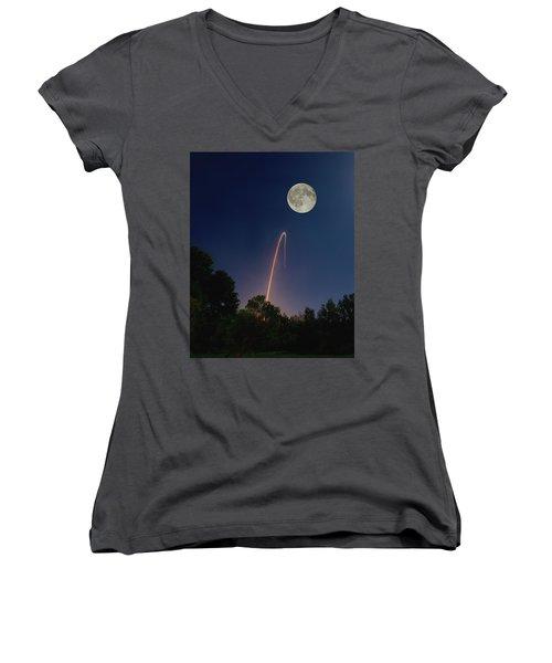 George Bailey's Lasso Women's V-Neck T-Shirt