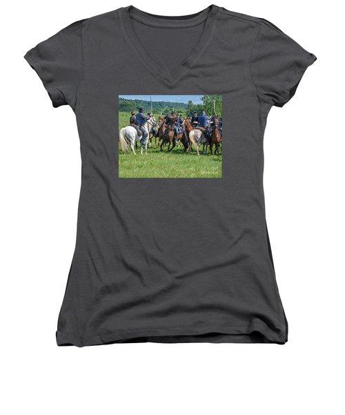 Gettysburg Cavalry Battle 7970c  Women's V-Neck