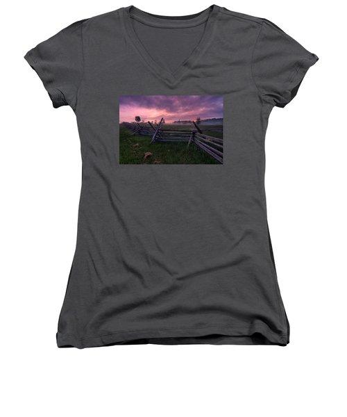 Gettysburg Mornings... Women's V-Neck T-Shirt