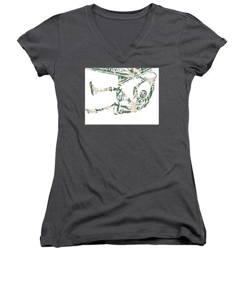 Giannis Antetokounmpo Milwaukee Bucks Pixel Art 20 Women's V-Neck T-Shirt