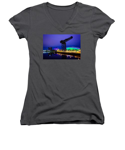 Glasgow At Night Women's V-Neck T-Shirt