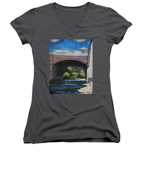 Glendale Bridge Women's V-Neck T-Shirt