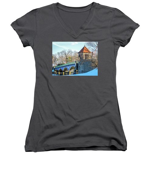 Glenn Island Drawbridge Women's V-Neck