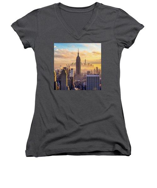 Good Morning New York Women's V-Neck T-Shirt