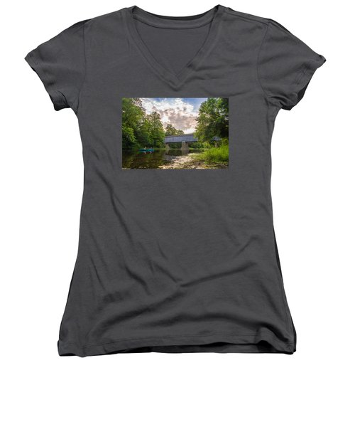 Good To Canoe Women's V-Neck