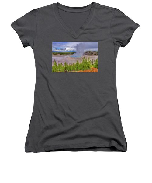 Grand Prismatic Spring Overlook Yellowstone Women's V-Neck T-Shirt