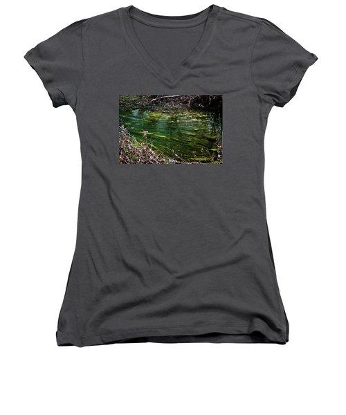 Green River Women's V-Neck