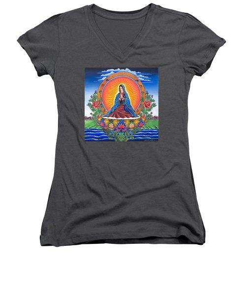 Guru Guadalupe Women's V-Neck T-Shirt (Junior Cut)